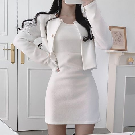 Women soft outfit aesthetic