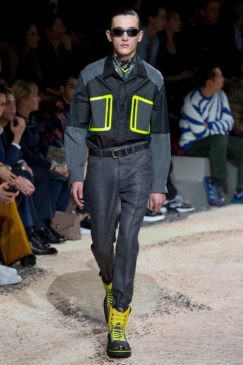 Louis Vuitton Fall 2018 Menswear Fashion Show Collection: See the complete Louis Vuitton Fall 2018 Menswear collection. Look 36