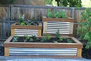 Kuhle Erhohte Gartenbetten 1 Wellblech Hochbeet Flower Garden Raised Herb Garden Building A Raised Garden Beautiful Raised Garden Beds