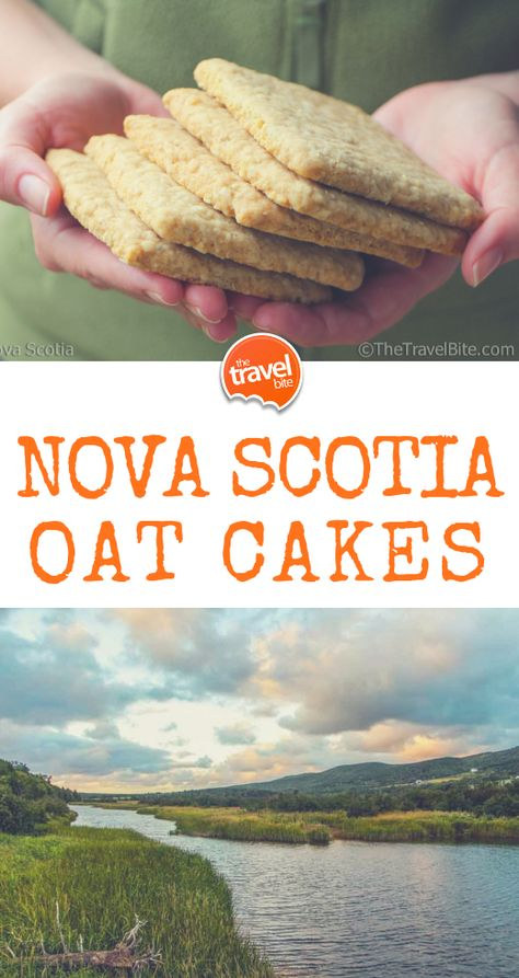 Nova Scotia Oatcakes Oatcakes are crisp like a shortbread cookie or cracker, lightly sweetened, just a smidge salty, and make quite a hearty snack. It's common to have them in the afternoon with tea . Road Trip Essen, Baking Recipes, Dessert Recipes, Recipes Dinner, Easter Recipes, Road Trip Food, Road Trips, Healthy Snacks, Healthy Recipes