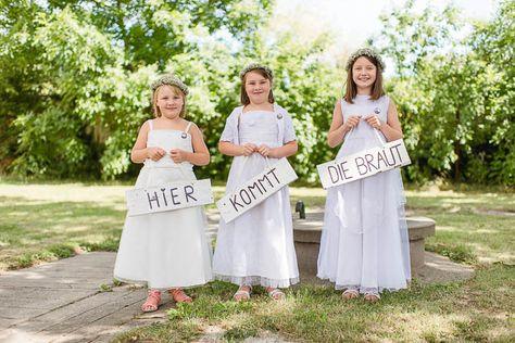 """#DIY: """"Hier kommt die Braut"""" Schilder für die Blumenkinder"""
