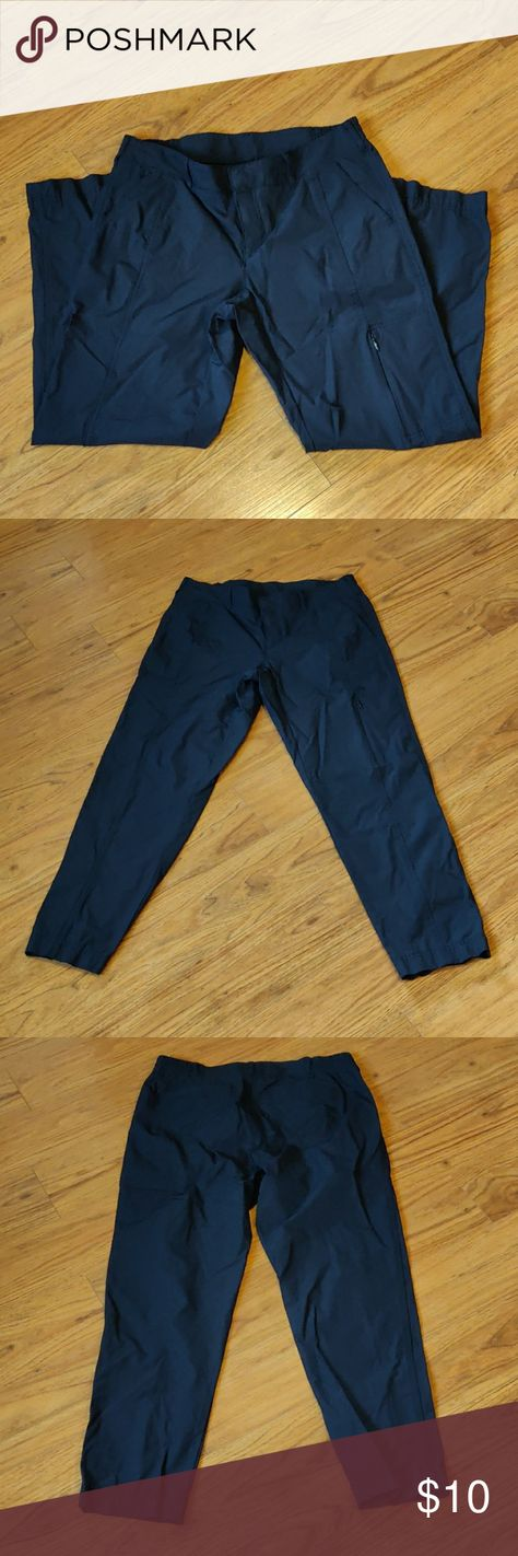 3/$20 EUC Navy hiking pants Excellent condition, no rips, stains, or holes. Nice wicking material. 26
