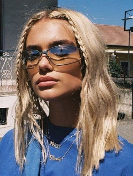 90s Hairstyles That are Cool & Trending Again - The Trend Spotter 90s Hairstyles, Summer Hairstyles, Braided Hairstyles, Office Hairstyles, Stylish Hairstyles, Hairstyles Videos, Grunge Hairstyles, Cute Hairstyles Short Hair, Model Hairstyles