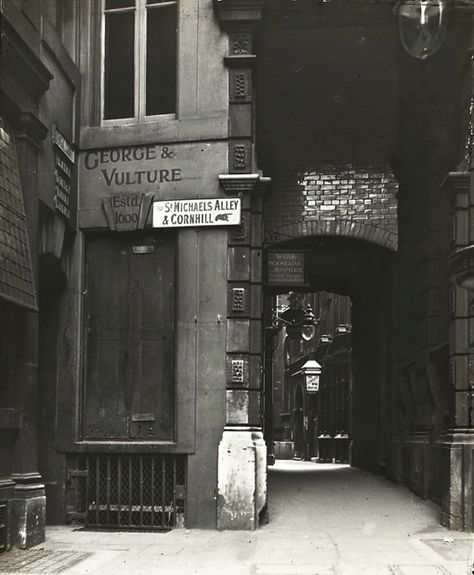 George & Vulture, City of London.   http://spitalfieldslife.com/