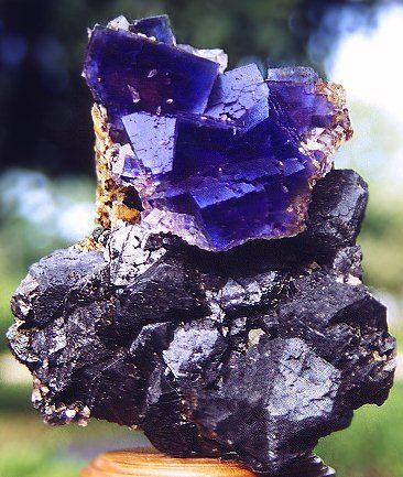 - Blue Fluorite - Fluorite can help increase your concentration, and heighten your intuition. It can help you maintain an unbiased impartiality when decisions need to be made by reducing you emotional involvement in a situation.