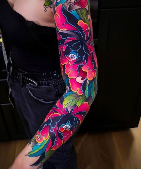 Mar 2020 - Search inspiration for a Japanese tattoo. Japanese Tattoo Style, Japanese Tattoo Words, Japanese Tattoo Sleeve Samurai, Small Japanese Tattoo, Japanese Tattoo Symbols, Japanese Style, Irezumi Tattoos, Kunst Tattoos, Art Tattoos