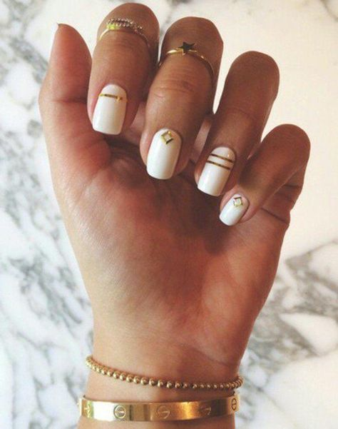 What Christmas manicure to choose for a festive mood - My Nails