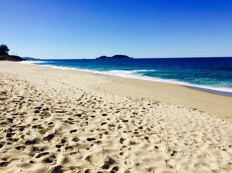 Praia do Campeche - Florianópolis www.talarianas.com  #praia #beach #brasil #brazil #florianópolis #talarianas #girls #travel #viajar #viagembarata #justgo #sovai #mulher #solotravel #girlstravel #floripa #lgbt #lbt #praiadocampeche #floripa #ilhadamagia