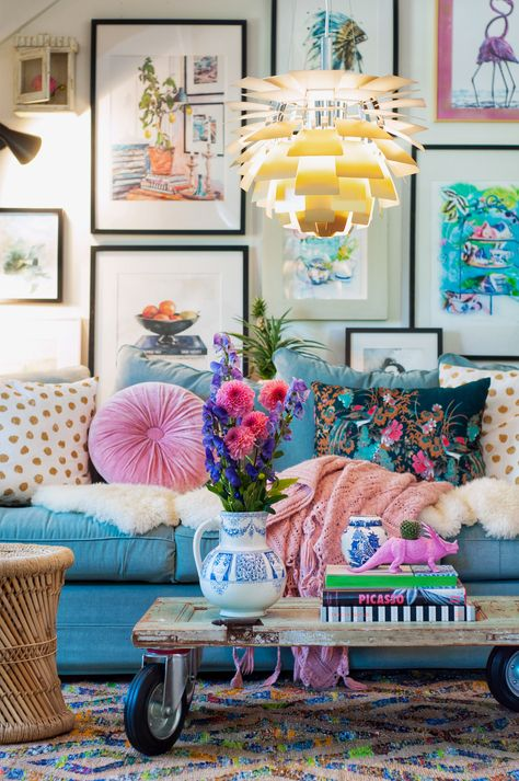Potential couch color unless would rather get color from accent pillows. Also, love the pitcher/vase Cute Living Room, Colourful Living Room, Living Room Decor, Eclectic Design, Eclectic Decor, Interior Design, Colorful Decor, Colorful Interiors, Funky Home Decor