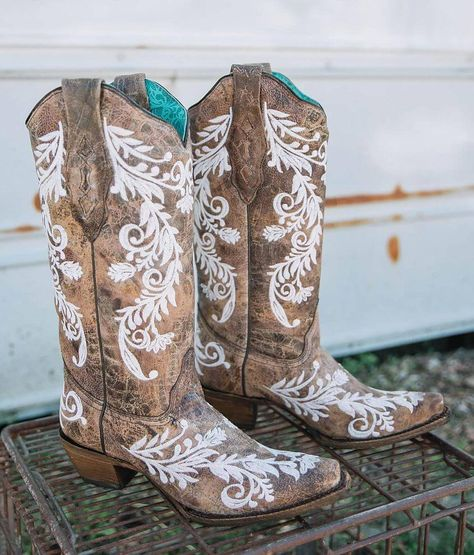 Corral Floral Embroidered Leather Western Boot - WomenYou can find Cowgirl boots and more on our website. Red Cowboy Boots, Brown Boots, Girls Western Boots, Country Girl Boots, Black Boots, Cowboy Boots Women, Western Wear, Hamsa, Over Boots