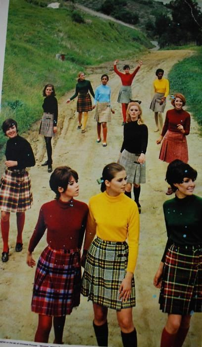 the kilt has been worn for millennia not since the century.and to add to that tartan cloth has been found in ancient egyptian tombs. Moda Vintage, Moda Retro, 60s And 70s Fashion, Retro Fashion, Vintage Fashion, 1960s Fashion Women, Trendy Fashion, Style 60s, My Style