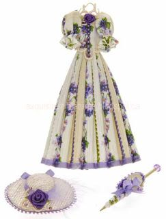 Hanging Summer Day Dress With Hat & Parasol