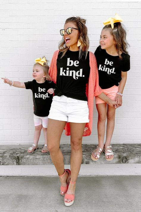 THE BE KIND TEE FOR MOM - S / BLACK