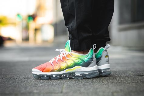 1b641f6e166 NIKE AIR VAPORMAX PLUS