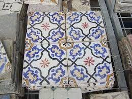 Risultati immagini per mattonelle siciliane antiche ceramica