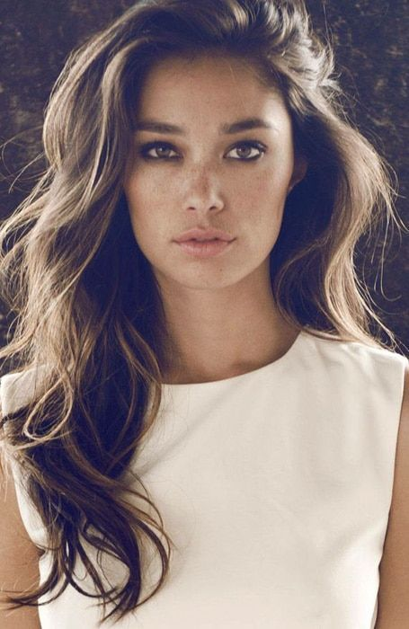 Deep Side Part With Tousled Long Hair Hair Styles Long Hair Styles Side Part Hairstyles