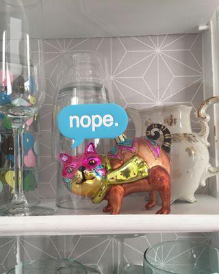 Gläserschrank in meinem gläserschrank wohnt ne dicke katze und mehr habe ich