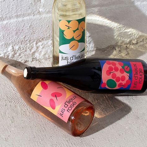 Vinvinvin wine labels is a beautiful project designed by Simon Langlois & Nother Studio which has been featured and awarded by Mindsparkle Mag´s best of Design. Juice Packaging, Beverage Packaging, Coffee Packaging, Chocolate Packaging, Bottle Packaging, Packaging Box Design, Print Packaging, Package Design, Food Branding