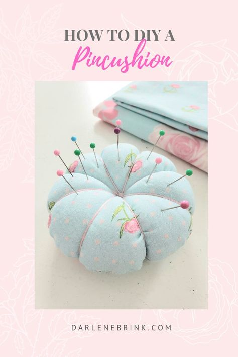 Make a quick and easy DIY Pincushion with scrap fabric and embroidery floss. Step by step tutorial for this DIY Easy sewing craft with supplies from home. Easy Sewing Projects, Sewing Crafts, Fabric Scrap Crafts, Sewing Diy, Fabric Christmas Ornaments, Sewing To Sell, Fabric Gifts, Fabric Scraps, Pin Cushions