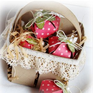 Chocolate Covered Strawberries Paper Centerpiece for a spring or summer gathering. Great DIY paper centerpieces.