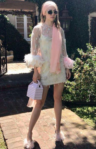 Suki Waterhouse wearing Prada Nappa Feather-Embellished Mule Sandals and Pop & Suki Takeout Bag in Cotton Candy Gingham