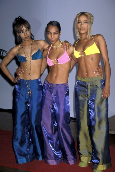 Even when they were made of shiny taffeta. | 12 Times TLC Redefined Fashion In The '90s