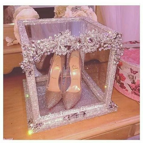 Read more about quinceanera party center pieces; Be sure you talk with your quinceanera princesses friends about gowns before they may be wearing.