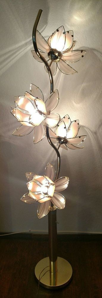 Here Is A Beautiful Lotus Flower Floor Lamp In Good Used Condition It Stands 68 Tall And Has Four Lotus Flowers Each 15 Flower Floor Lamp Flower Lamp Lamp