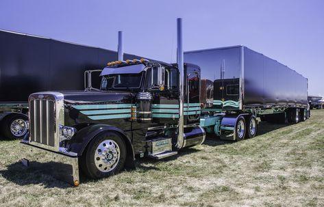 Peterbilt 389 With Curtain Side Trailer Custom Trucks Peterbilt 389 Peterbilt