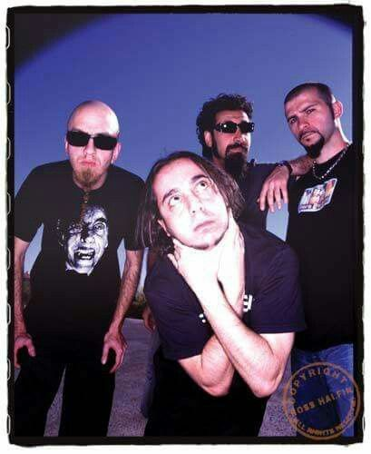 Pin By Matt Plonta On System Of A Down System Of A Down Singer