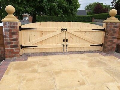 Wooden Driveway Gates Heavy Duty Gates 4ft 6 Highest Point Free Hinges Lock Ebay In 2020 Wooden Gates Driveway Driveway Gate Wood Fence Gates