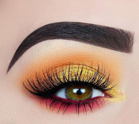 Perfect Eye makeup Ideas;Smoking Eyes;Somking Eyes Makeup;Color Eye Shadows;Glitter Eye Shadows;Long Eyelashes;Curl Eyelashes;Thick Eyelashes;