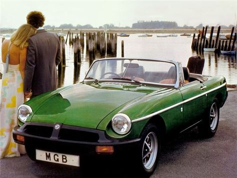 plus Midget, Roadster MG MGB Roadster Green Classic Car Picture Poster Print A1