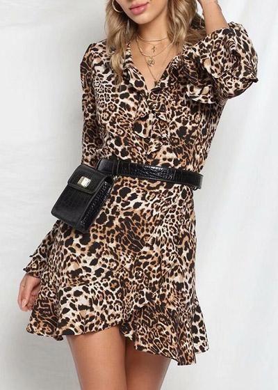 cb1fe1035920 Compre Vestido com Estampa de Onça Curto Assimetrico com Babado    UFashionShop