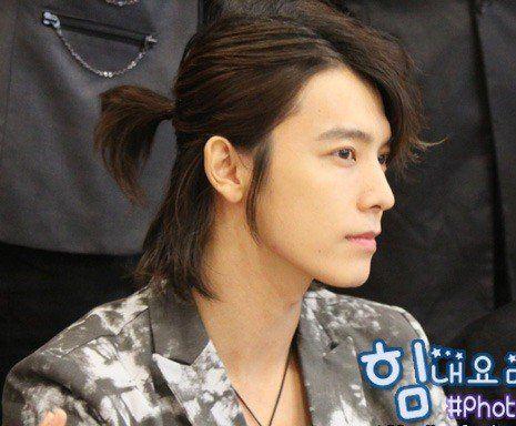 18 Male K Pop Idols Who Can Pull Off Long Hair Allkpop Long Hair Styles Boys Long Hairstyles Long Hair Styles Men