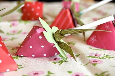 Stampin' Up ideas and supplies from Vicky at Crafting Clare's Paper Moments: Strawberry lollipops