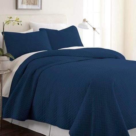 e2493af3b6 Merit Linens Premium Ultra Soft Herring Pattern Quilted Coverlet Set (Queen  - Navy)