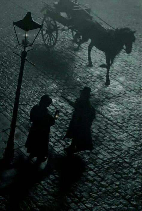 Stalking Jack the Ripper. Gothic Aesthetic, Slytherin Aesthetic, Victorian London, Victorian Gothic, Story Inspiration, Character Inspiration, Dracula, Little Buddha, Arte Obscura