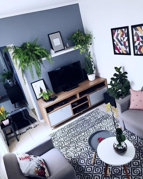 """®️BLOG EDGE MENDES🧿 on Instagram: """"É PRIMAVERA QUE FALA? . Eu nunca imaginei usar tanta planta na decoração da casa. Apesar de eu ter muitos objetos de decoração, para mim,…"""""""