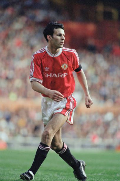 Ryan Giggs Of Man Utd In 1992 In 2020 Manchester United Football Club Ryan Giggs Manchester United Football