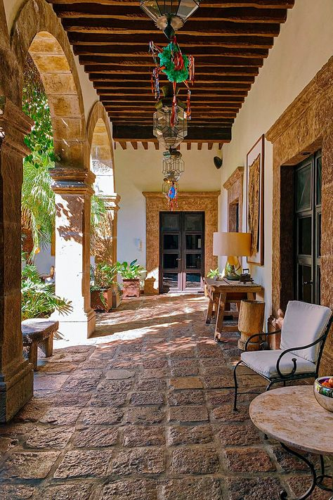 House Design, Mexican Style Homes, Hotel Rooftop Bar, Outdoor Living, House Exterior, Mexico House, Beautiful Homes, Hacienda Homes, Spanish House