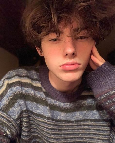 Likes, 5 Comments - * Grunge Look, Soft Grunge, Grunge Guys, 90s Grunge, Grunge Style, Grunge Outfits, Grunge Hair, Grunge Makeup, 90s Style