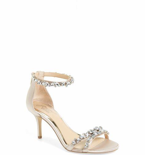 c068fb73cb4  109 Feminine low heel
