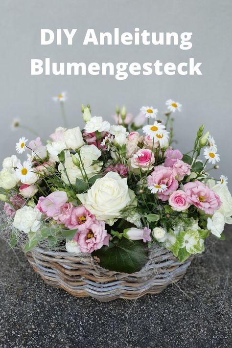 Blumenkorb selber machen. DIY Anleitung für einen tollen Blumenkorb. Floristik Anleitung. #floristik #anleitung #selber #machen #floral #blumen #blumengesteck #blumenarrangement