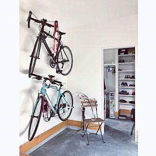 玄関 入り口 収納 土間収納 自転車壁掛け 自転車 などのインテリア
