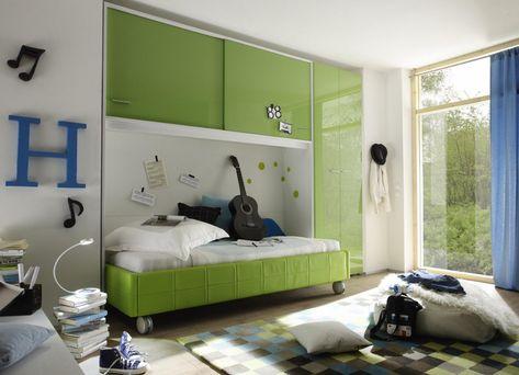 Kinderzimmer Jungen Gestalten Das Bett Ist Mit Einem Schrank