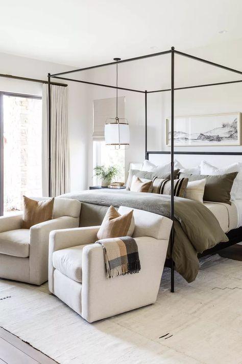 Bedroom Inspo, Home Bedroom, Bedroom Furniture, Bedroom Decor, Casual Bedroom, Bedroom Shelves, Bedroom Signs, Bedroom Lighting, Furniture Decor