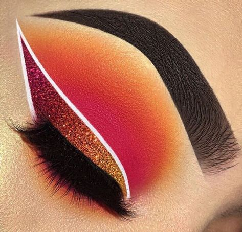 Our beauty slaying this glitter eyeliner wing using diamond dust colors shining orange, burnt bridges, danger zone. Source by doublefisttiffcool Our beauty. Makeup Eye Looks, Eye Makeup Art, Colorful Eye Makeup, Beautiful Eye Makeup, Crazy Makeup, Skin Makeup, Eyeshadow Makeup, Pretty Makeup, Cool Makeup