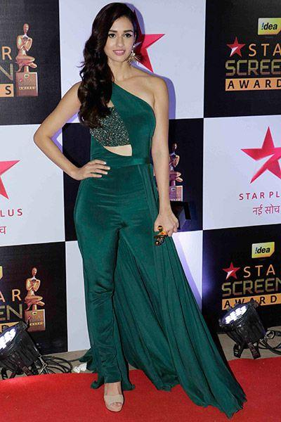 Hot and sexy Bollywood movie Actress and model Disha patani very cute beautiful award nights stunning photos and wallpapers with navel boobs.