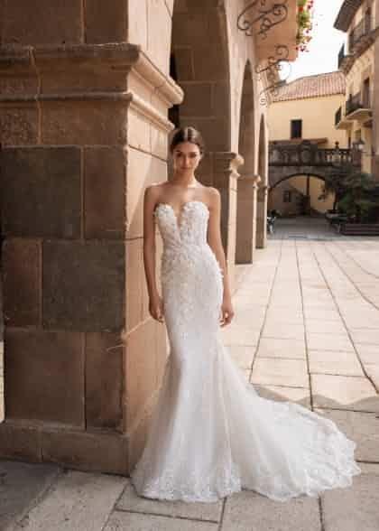 Aethra Pronovias Mariage Robe Dentelle Robe De Mariee Robes Mariage Haute Couture